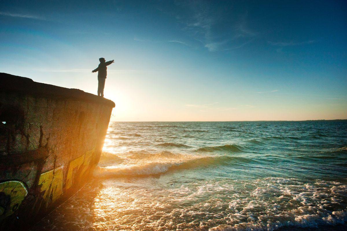 beach-dawn-daydreaming-1060489
